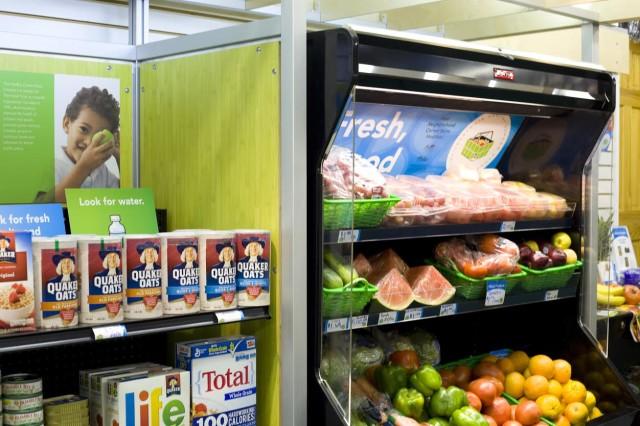 Fresh Corner Kiosk at a Healthy Corner Store in Philadelphia, Pennsylvania. (The Food Trust)