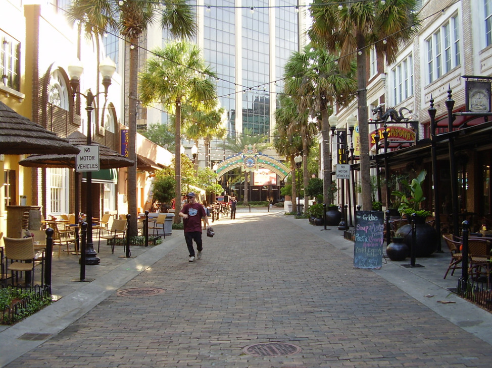 Wall Street Plaza, Downtown Orlando, Florida (Photo by Jordi Gomara i Pérez via Flicker)