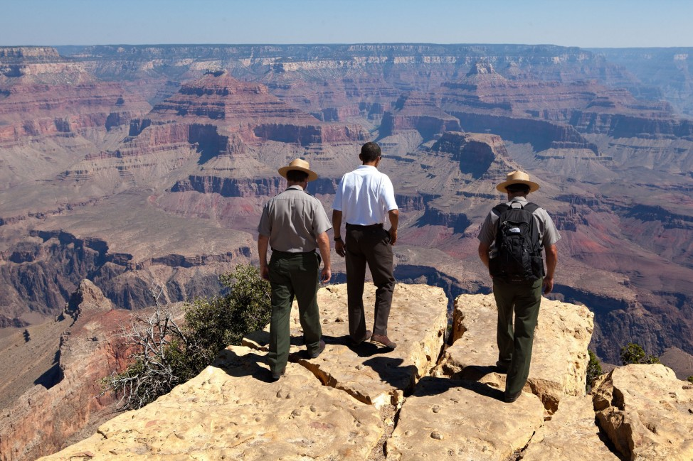 Arizona, Aug. 16, 2009. Viewing the Grand Canyon. (Official White House photo by Pete Souza)