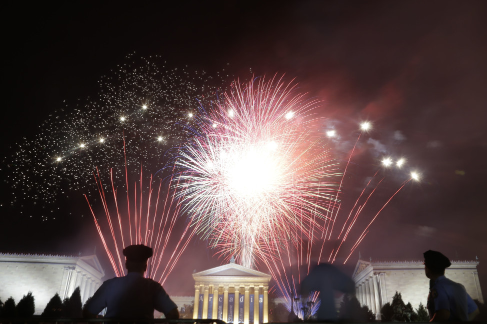 Fireworks light up the sky over the Philadelphia Museum of Art during an Independence Day celebration, July 4, 2012, in Philadelphia. (AP Photo)