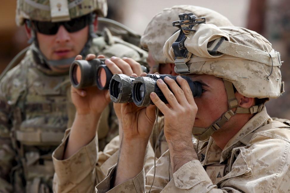 U.S. soldiers participate in training exercise at the Jordan-Saudi Arabia border, south of Amman May 18, 2015. (Reuters)