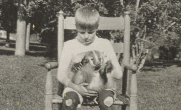 One of Teddy Roosevelt's sons with the family's pet badger, circa 1903. (Library of Congress)