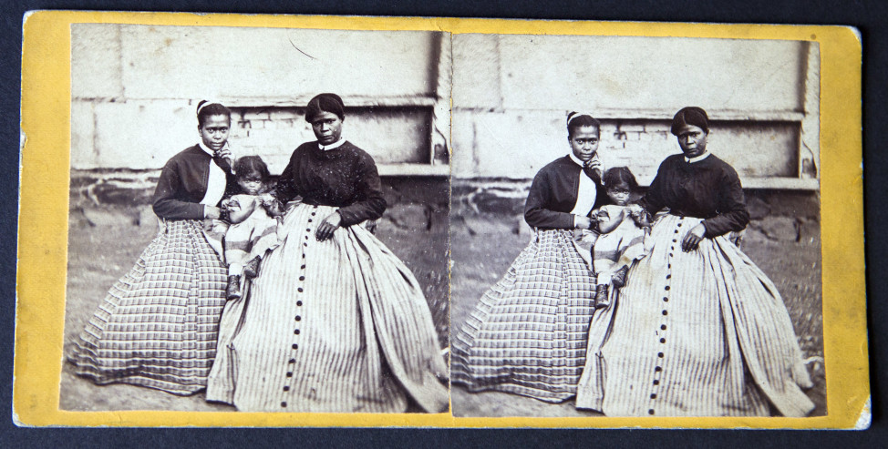 Rare photo of Selina Gray (far right in both images), a slave owned by Confederate Gen. Robert E. Lee. (AP Photo)