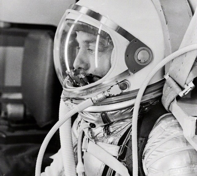 Astronaut Alan Shepard in his silver pressure suit as he prepares for his upcoming Mercury launch. (NASA)