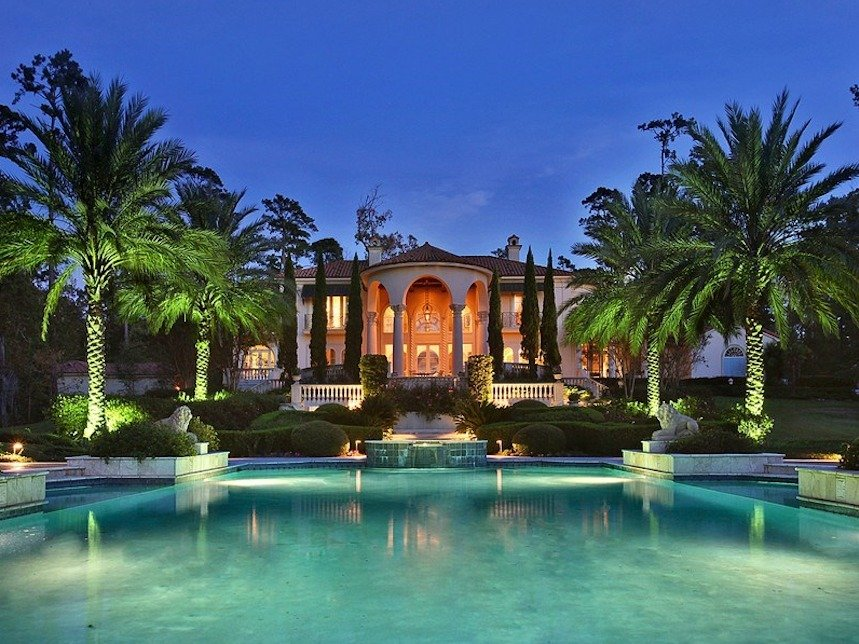 The most expensive home in the southern state of Louisiana has five bedrooms, a pool, cabana, tennis court, and green house. (Courtesy Sotheby's International Realty)