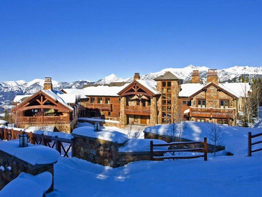 This16,000-square-foot home in Montana features ski-in/ski-out access and is available for $18 million. (Sotheby's International Realty)