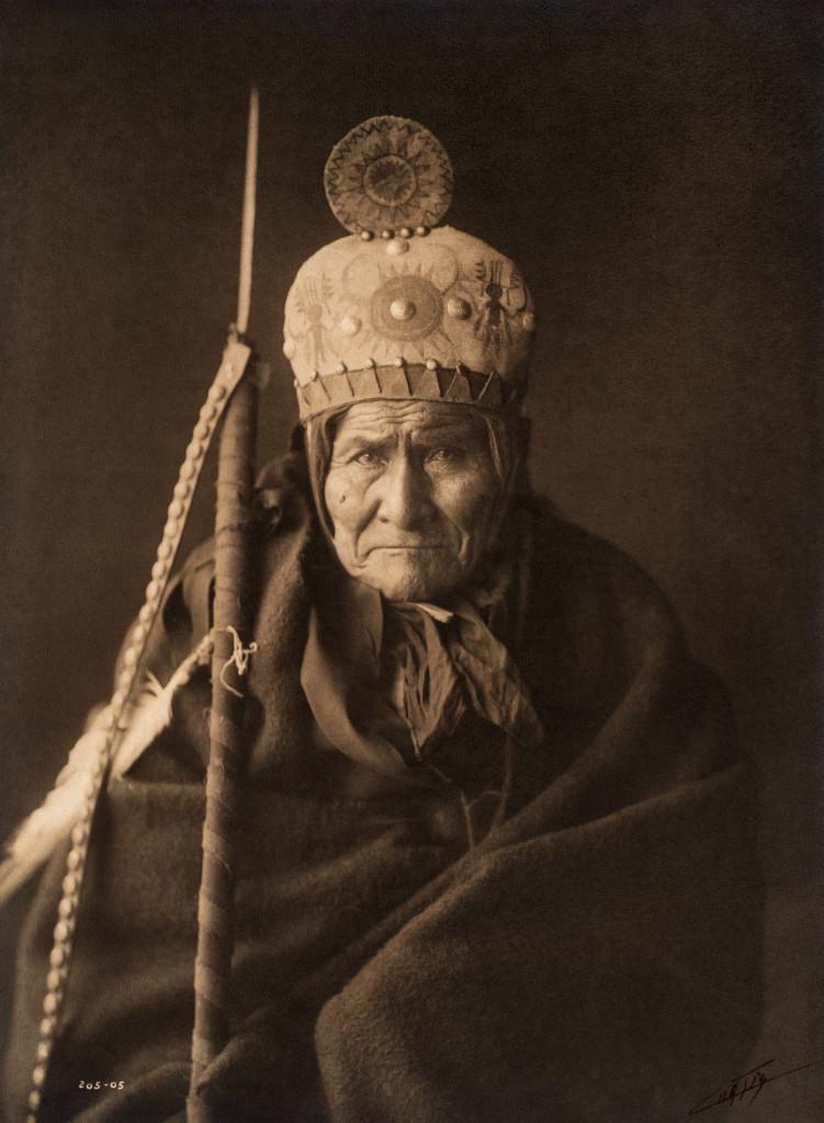 Geronimo - Apache, 1905,  Southwest ((Photo by Edward S. Curtis, courtesy DelMonico Books • Prestel)