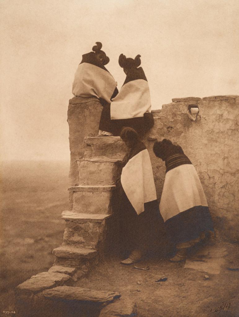 On the Housetop - Hopi, 1906, Southwest (Photo by Edward S. Curtis, courtesy DelMonico Books • Prestel)