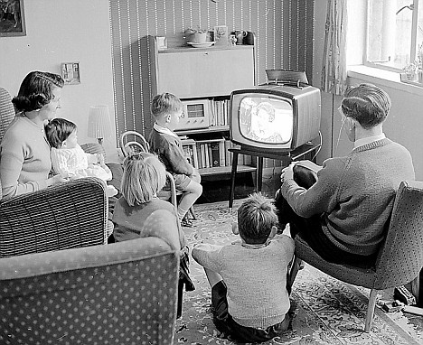 Television became Public Enemy Number 1 for American restaurants as more people opted to stay home in the 1950s. (Photo by Paul Townsend via Creative Commons license)