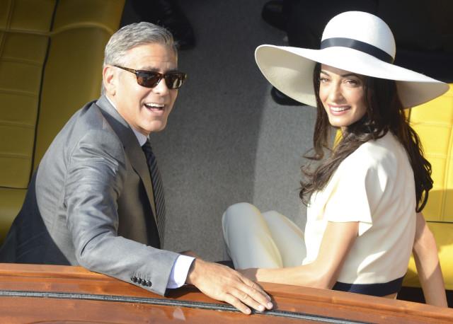 Corc Kluni və Amal Alamuddin Venesiyada nikah mərasimindən sonra