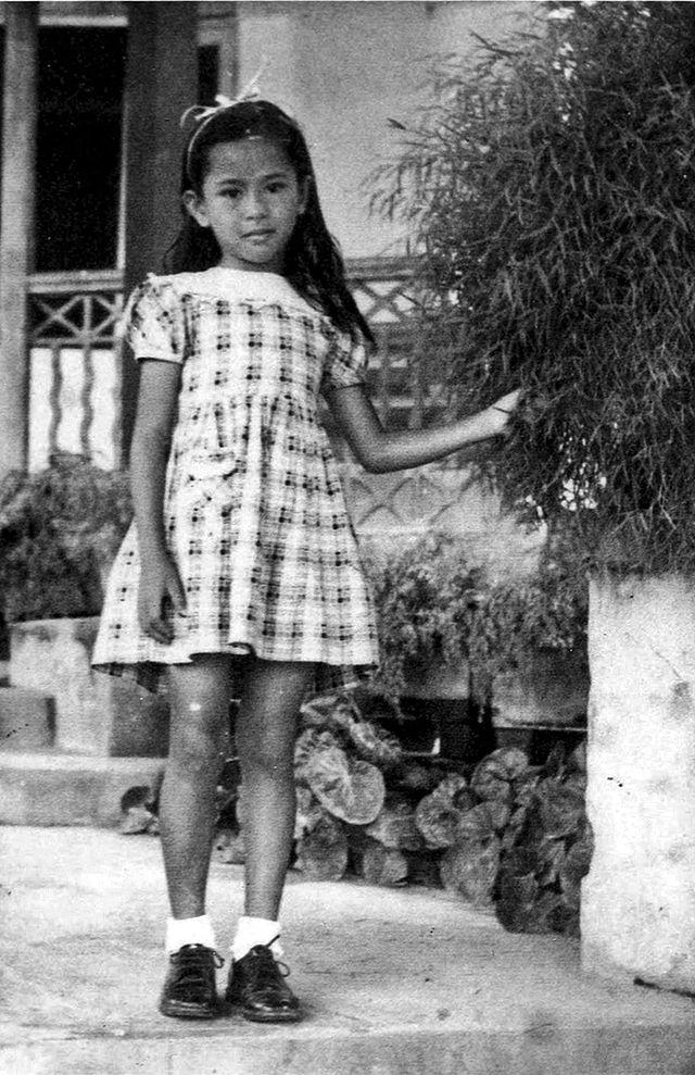Aunq San Su Çinin 1951-ci ildə 6 yaşında çəkilmiş fotosu