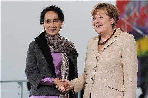 Birma müxalifət lideri Aunq San Su Çi və Almaniya kansleri Angela Merkel