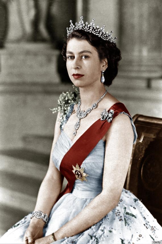 Kraliça İkinci Yelizaveta