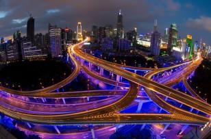 1980-ci illərdə kommunist iqtisadi sistemindən imtina edən Çin qısa zaman kəsiyində sürətli inkişafa qədəm qoydu.