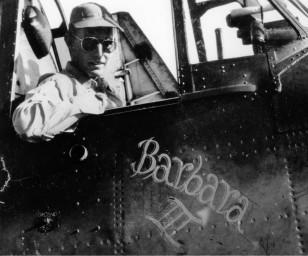 Hərbi pilot Corc Herbert Uoker Buş idarə etdiyi təyyarələrə nişanlısı Barbaranın adını qoyardı.