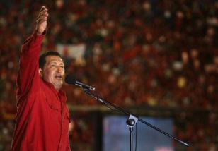 1999-cu ildə hakimiyyətə gəldikdən sonra Uqo Çavezin atdığı addımlar Venesuelada demokratik azadlıqların, mülkiyyət hüquqlarının sistematik şəkildə məhdudlaşdırılması ilə müşayiət olunub.