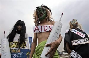 Aktivis Indonesia memperingati Hari AIDS Sedunia (foto: AP).