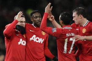 Para pemain Manchester United merayakan gol Wayne Rooney (kiri), 10 Desember 2011 (foto: AP).