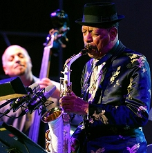Ornette Coleman, front, performs with his quartet at the Skopje Jazz Festival, in Macedonia, Oct. 2006. (AP Photo)