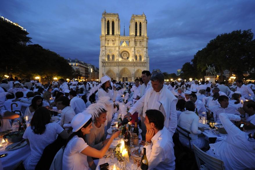 """""""France White Dinner"""""""