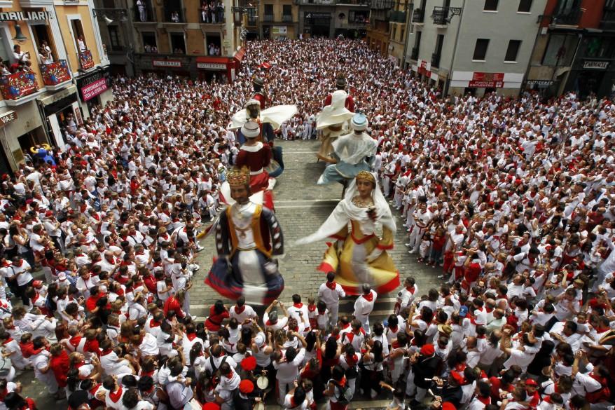"""Spain Gigantes Dance"""