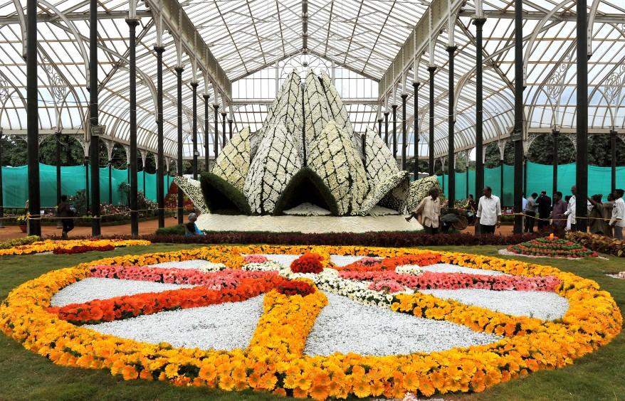"""India Art Flowers"""