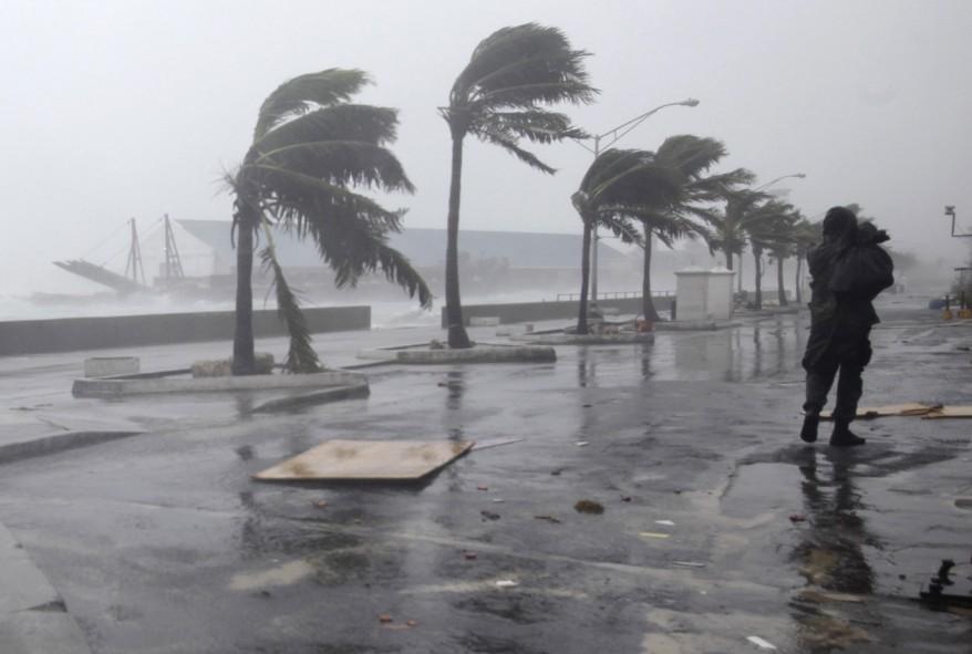 """Bahamas Tropical Weather"""