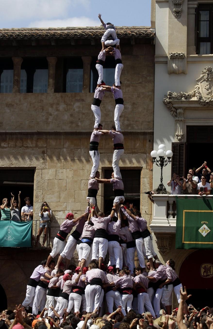 """Spain Human Tower"""