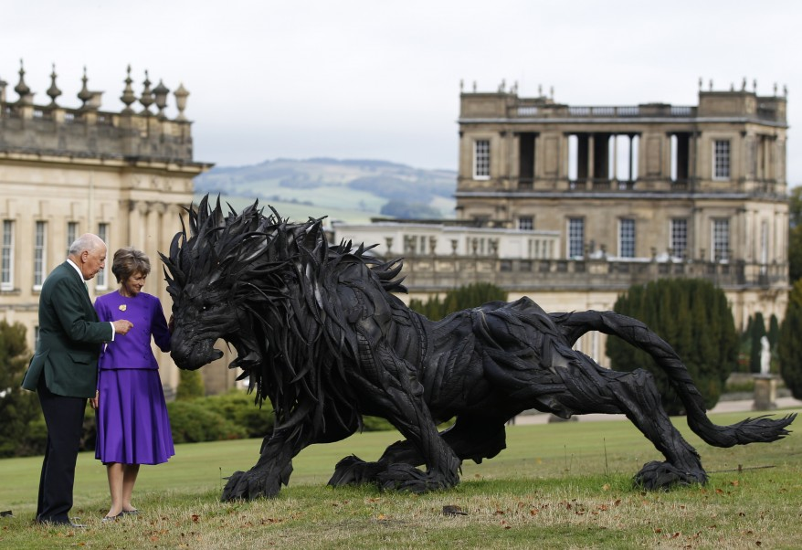"""UK Sculpture Lion"""