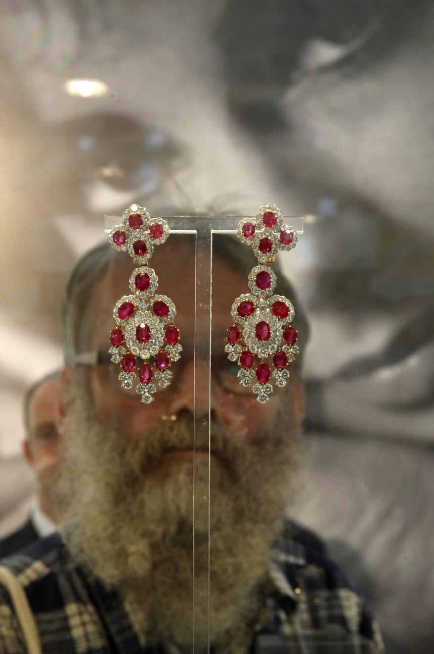 """Russia Elizabeth Taylor's Jewelry"""