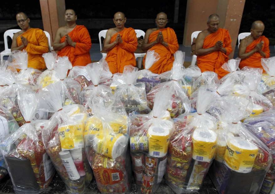 Thailand Floods Monks