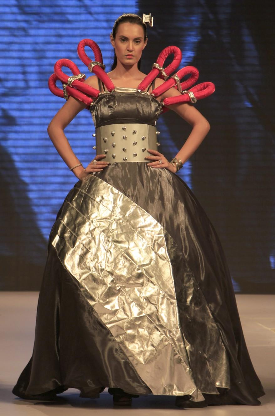 """""""Pakistan Fashion"""""""