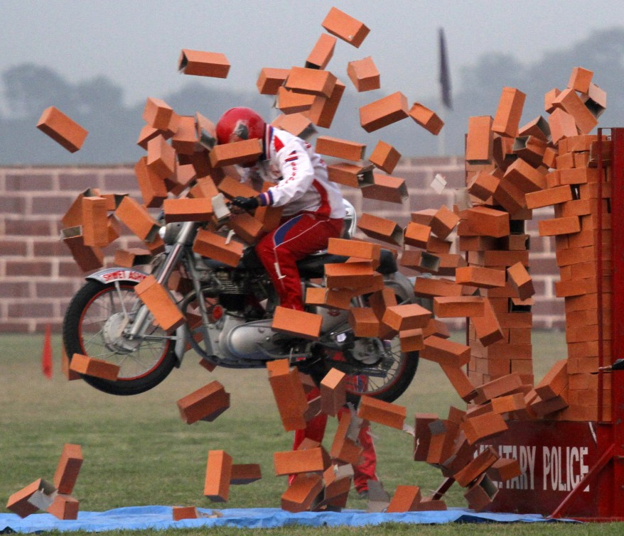"""India Army Soldier Stunt"""