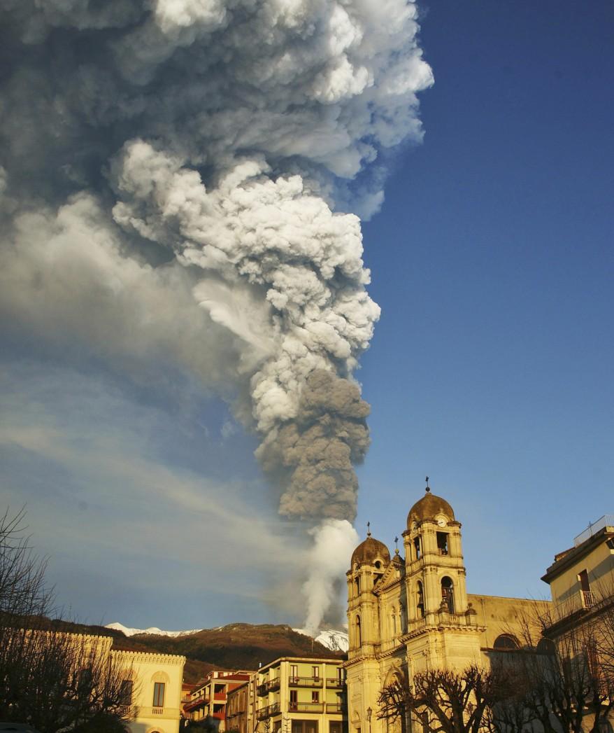 """Italy Volcano Eruption"""