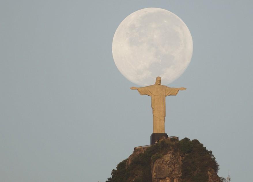 """Brazil Moon"""