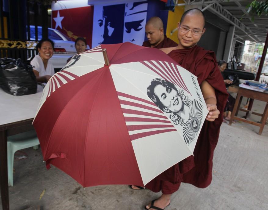 Burma Suu Kyi Monk