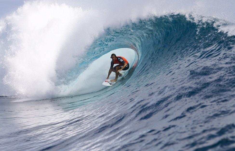 Billabong Pro Surfing Tahiti