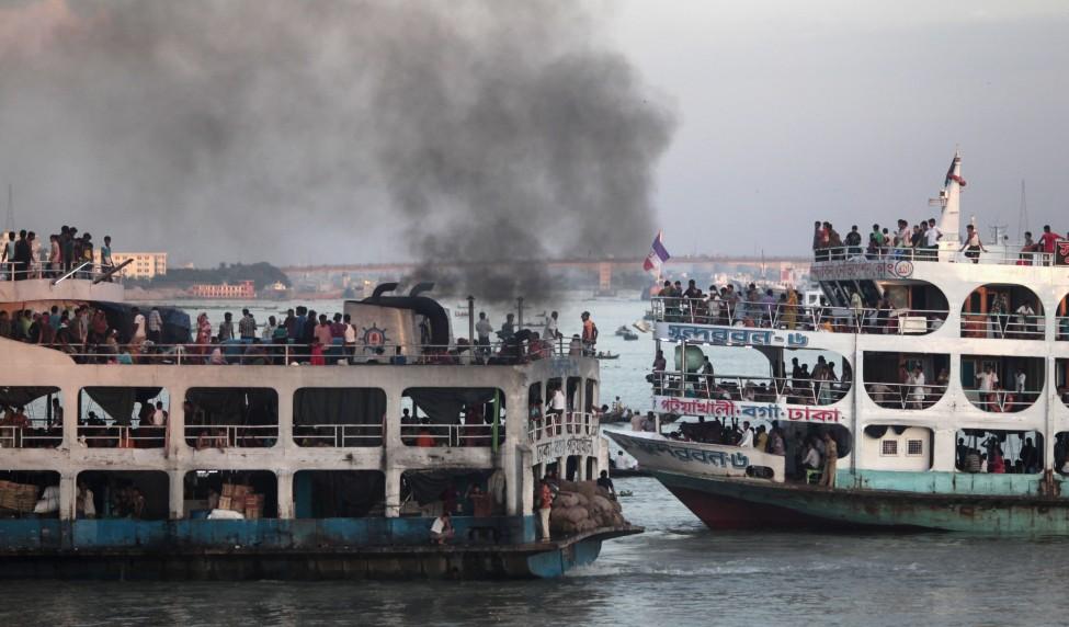 Bangladesh Overcrowded Boats