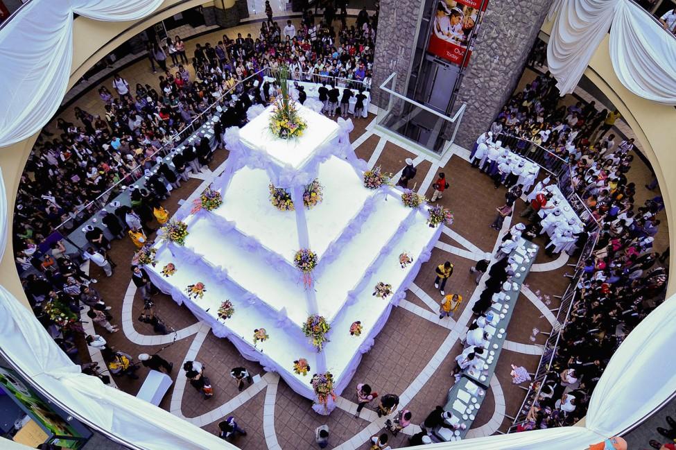 Philippines Giant Cake