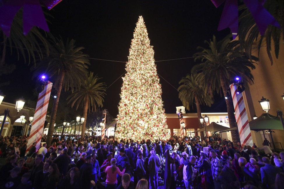 Fashion Island Christmas Tree Lighting Ceremony