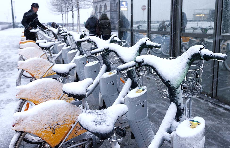 Brussels Bikes Snow