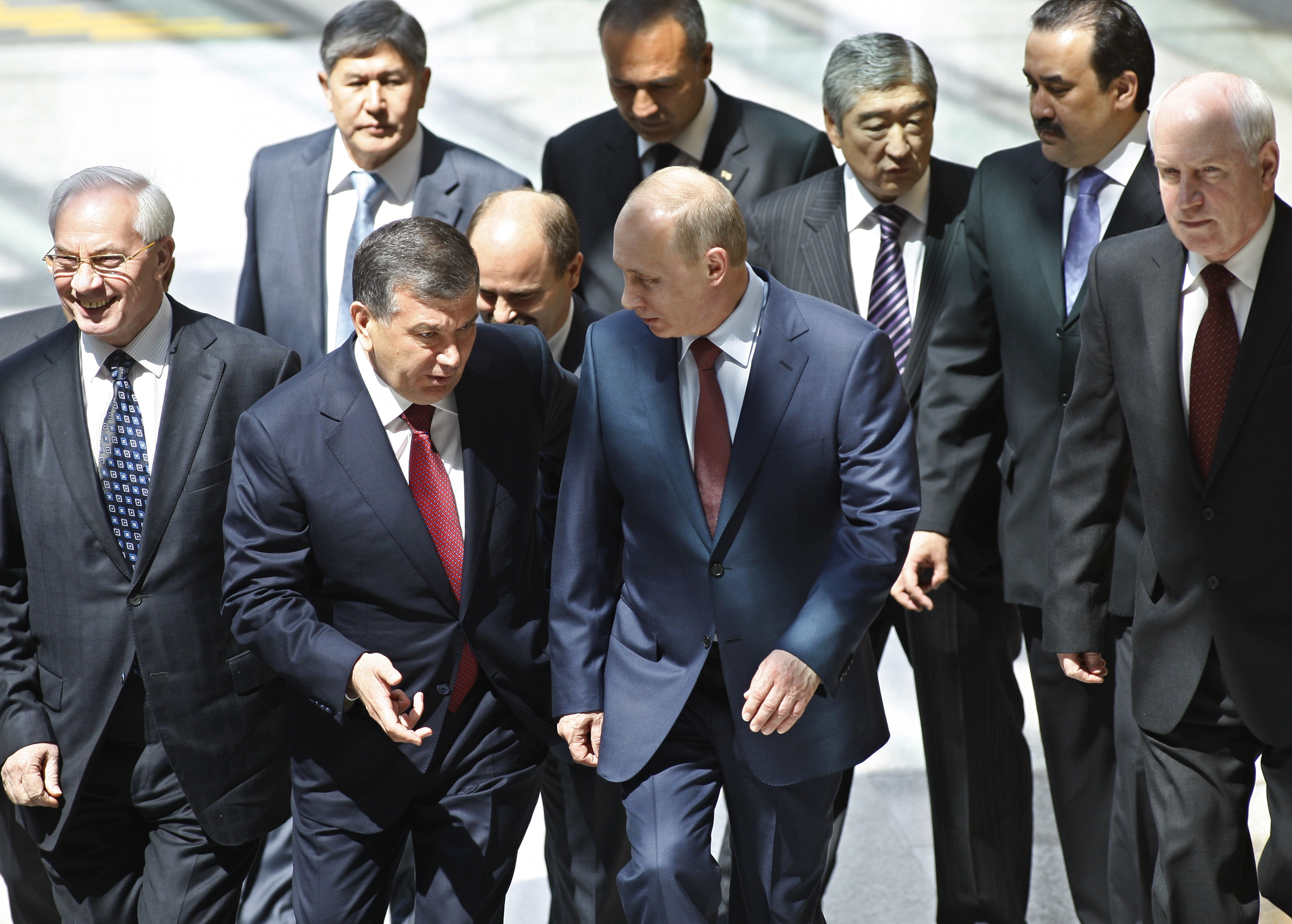 Pasha Putin Takes a Cue from Central Asia's Sultans « Russia Watch
