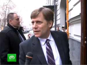 Before a private meeting in Moscow, U.S. Ambassador to Russia Michael McFaul asks NTV reporters how they know his work schedule. Photo: NTV