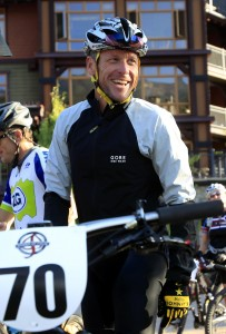 Lance Armstrong laughs while preparing to take part in the Power of Four mountain bicycle race in Snowmass Village, Colo., on Aug. 25. Photo: AP/David Zalubowski
