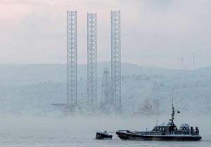 A passenger ship for 67 men well after the northern shipping season closed? No, a 26-year-old oil drilling rig heading into an Arctic storm in the Sea of Okhotsk. File photo taken 2010 in Murmansk, home of the rig's owner, Arktikmorneftegasrazvedka. Photo: Reuters/Andrei Pronin