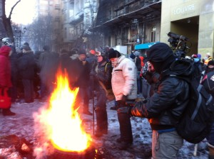 With nighttime temperatures falling to -20C, wood fires provide some warmth for protesters. VOA Photo: James Brooke