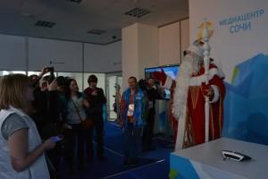 Дед Мороз в гостях у олимпийской прессы
