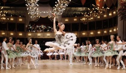 Танцоры государственного балета на традиционном Венском балу. Австрия (Reuters)