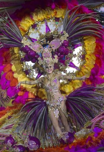 Карнавал в Санта-Крузе на острове Тенерифе (Испания). Выборы королевы карнавала (Reuters)