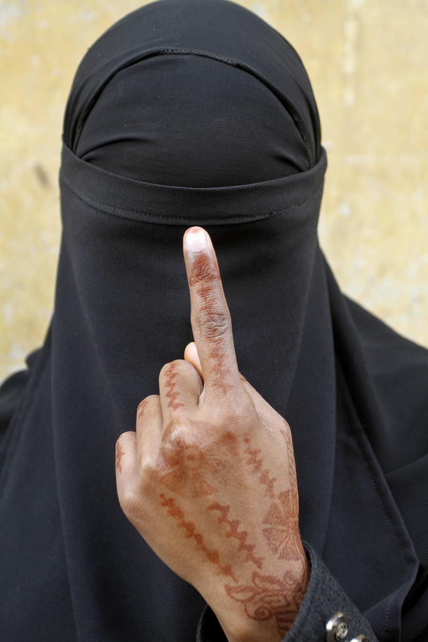 Избирательница в Индии